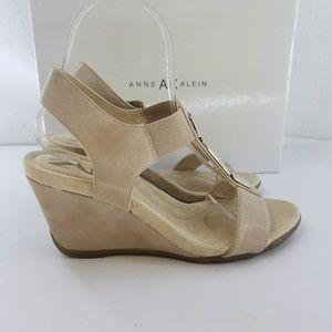 ANNE KLEIN SPORT Loona T-strap Sandal Sz 6.5 M